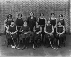 London School of Economics Women's Field Hockey team, 1923-1924.