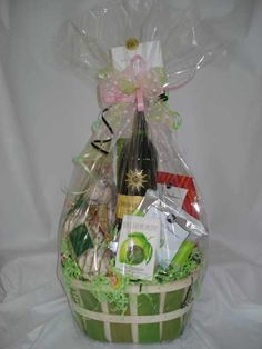 193 best mothers day gifts images on pinterest gift ideas gift mothers day baskets build a basketllc holiday gift basket ideas solutioingenieria Image collections