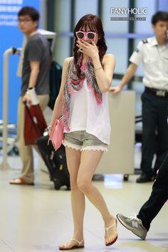 มาดูแฟชั่นสนามบินแฟนนิชคุณ ผญ.ที่ถูกโหวตว่าแต่งตัวดีที่สุดในเกาหลี ทิฟฟานี่ SNSD!! - Pantip