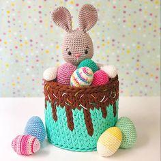 Crochet Gifts, Crochet Dolls, Knit Crochet, Crochet Stitches, Hand Art Kids, Art For Kids, Easter Gift, Easter Crafts, Easter Crochet Patterns