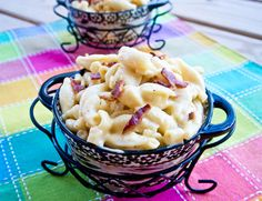 Four Cheese & Bacon Macaroni And Cheese - This is the most delicious, perfectly creamy and super cheesiest version of macaroni and cheese you'll ever taste! Side Dish Recipes, Veggie Recipes, Healthy Dinner Recipes, Pasta Recipes, Appetizer Recipes, Whole Food Recipes, Cooking Recipes, Appetizers, Bacon Mac And Cheese