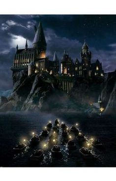Pictures of hogwarts castle painting - Harry Potter Poster, Harry Potter Plakat, Arte Do Harry Potter, Harry Potter Room, Harry Potter Theme, Harry Potter Movies, Harry Potter Hogwarts, Disney Hogwarts, Hogwarts Library