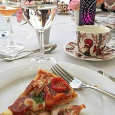 Tuula's life : OOPPERAA, PIZZAA JA JUHLAKAKKUJA TYYLIKKÄÄSTI French Toast, About Me Blog, Pizza, Breakfast, Life, Food, Morning Coffee, Essen, Meals