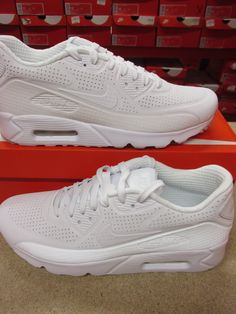d82aaf1e23 NIKE AIR MAX 90 ULTRA MOIRE TRIPLE WHITE SNEAKER 819477 111 #airmaxalways  #soletoday #
