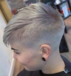 Women's Short Ash Blonde Undercut