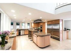 Gourmet Chef's Kitchen...perfect for entertaining or family time.