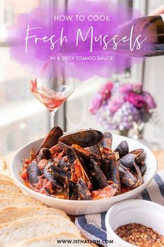 Looking for delicious Italian recipes for mussels? Today I share how to cook mussels arrabbiata sauce recipe (very similar to mussels marinara) for all my seafood lovers out there! If you love fresh mussels, you are going to love this recipe. #Recipe #Italian Prawn Recipes, Lobster Recipes, Shellfish Recipes, Sauce Recipes, Lunch Recipes, Drink Recipes, Seafood Recipes, Mussels Marinara, Spicy Tomato Sauce