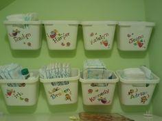 daycare cubbies preschool set up Daycare Cubbies, Daycare Storage, Daycare Setup, Daycare Spaces, Daycare Design, Daycare Organization, Kids Daycare, Toddler Classroom, Daycare Crafts