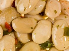 Mar 2020 - This lima bean and beet salad with smoked herring is the perfect winter salad recipe for any Greek table. Winter Salad Recipes, Beet Salad Recipes, Bienenstich Recipe, Herring Recipes, Cannelloni Recipes, Blueberry Recipes, Chopped Salad, Easy Salads, Greek Recipes