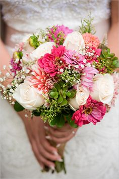#pinkflowers #weddingbouquet @weddingchicks