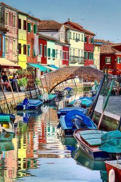 Burano,Italy...photo via fulvia