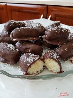 Greek Sweets, Greek Desserts, Party Desserts, Sweet Loaf Recipe, Greek Cookies, Sweets Cake, Sweets Recipes, Food Menu, Christmas Desserts