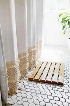 Choosing The Best Shower Curtain, Check It Out! #BathroomIdeas #showercurtains