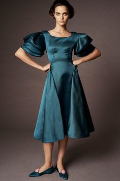 See the complete Zac Posen Spring 2018 Ready-to-Wear collection.