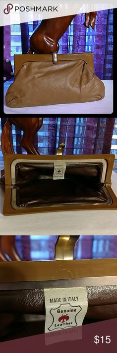 BEAUTIFUL CLASSIC BROWN CLUTCH Vintage Made in Italy! Very soft leather Bags Clutches & Wristlets