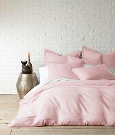 Spring bedroom decor... http://www.lush-fab-glam.com/2017/03/easy-stylish-spring-decor.html  #homedecor #decor #homedesign #springdecor #pinkbedroom