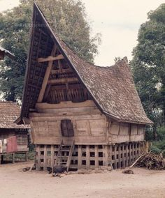 photo of indonesian art Temple Architecture, Tropical Architecture, Vernacular Architecture, Architecture Design, Gaia, Lanscape Design, Crooked House, Indonesian Art, Dutch East Indies