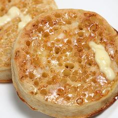 A homemade crumpet recipe you will love.. Traditional Crumpets Recipe from Grandmothers Kitchen.