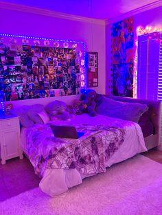 Indie Room Decor, Cute Bedroom Decor, Room Design Bedroom, Teen Room Decor, Stylish Bedroom, Room Ideas Bedroom, Small Room Bedroom, Chill Room, Cozy Room