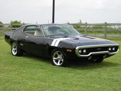 1971 Plymouth GTX Wow this looks like a real life Hot Wheels car! Just awesome.