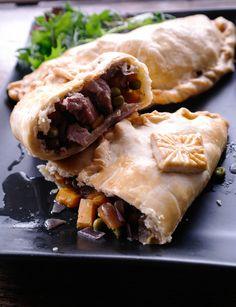 Le cornish pasties di Valeria per il Cornish Pasties, Quiche, Spanakopita, Calzone, Pane, Ethnic Recipes, Food, Recipes, Pies