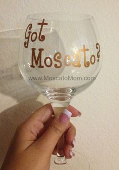 got moscato wine glass Moscato Wine, Pink Moscato, Barolo Wine, Wine Auctions, Sweet Wine, Wine Case, Grape Juice, Wine Online, Wine Drinks