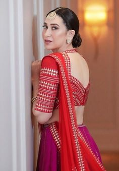 Latest Blouse Back Designs to Ignite Your Imaginations – LUK Stunning Saree Blouse Neck Designs, Fancy Blouse Designs, Bridal Blouse Designs, Lehenga Designs, Dress Indian Style, Indian Outfits, Indian Wear, Stylish Blouse Design, Designer Blouse Patterns