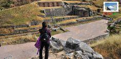 Tambomachay fue construido el año 1.500 A.C, con el objetivo de rendir culto al dios del Sol y al Agua. Es considerado uno de los imperdibles en la ruta Cuzco, Machu Piccu en Perú. Más información entrando a: http://www.rutas365.com/es-peru-cusco-tambomachay/