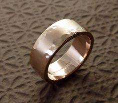Rotgold Ehering Ring 14k - Wasser-Edge-Stil gehämmert, texturierte ...