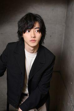 Cute Japanese Boys, Japanese Men, Asian Actors, Korean Actors, Kento Nakajima, Kento Yamazaki, Cute Asian Guys, Aesthetic People, Borderlands