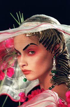 Christian Dior Fall 2000 beauty 3
