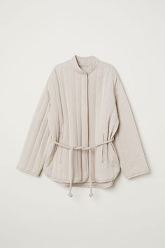 H&M Quilted Lyocell-blend Jacket - Light beige - Women Moda Kimono, Mantel Beige, Beige Outfit, Outfits Damen, Light Beige, Kimono Fashion, Quilted Jacket, Mode Inspiration, Fashion Company