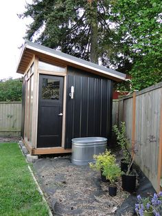 shed & new galvanized trough Shed & new galvanized tub from Meredith Backyard Office, Outdoor Office, Backyard Studio, Backyard Greenhouse, Backyard Storage Sheds, Backyard Sheds, Backyard Patio Designs, Outdoor Sauna, Outdoor Sheds