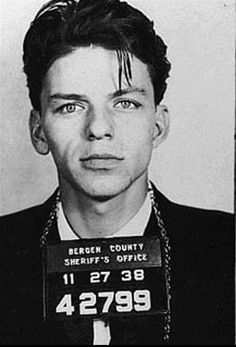 "Frank Sinatra was a big activist in the civil rights movement, refusing to stay at hotels that didn't allow ""Blacks"". Even using his mafia ties to help get labor unions behind JFK because he knew they shared the same opinions on equal rights. Who knew? Frank Sinatra Mugshot, Young Frank Sinatra, Frank Sinatra Art, Frank Sinatra Quotes, Frank Sinatra Movies, Franck Sinatra, Celebrity Mugshots, Tv Star, Photo Star"