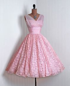 Pink chiffon and Chantilly lace party dress, 1950s. #partydress #vintage #frock #retro #teadress #romantic #feminine #fashion #promdress #lace