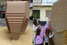 Studio Nituniyo created 'Somnis de Pes' (dreams of weight), an elephant sculpture from over 6,000 recycled paper tubes for Valencia's Fallas Festival.