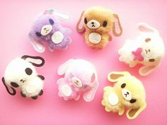 who needs Littlest Pet Shop?  these tiny creatures made with pom poms and felt are perfect pocket pals.
