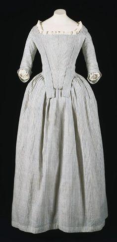 Women's round gown