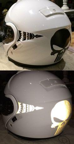 Décorations casque et motos d'un de nos clients avec les produits rétro-réfléchissants VFLUO disponibles sur le site : www.vfluo.fr Bicycle Helmet, Stickers, Motorbikes, Hockey Helmet, Products, Cycling Helmet, Sticker
