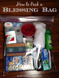 How to pack a blessing bag for those in need or to donate to a homeless shelter. Pack a Blessing Bag to give to people in need - use this free printable checklist & free printable encouragement cards to pack your bag for those in need.