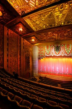 The main screen in the Paramount Theater in Oakland, California - by Marcin Wichary, via Flickr.