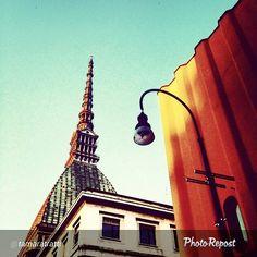 """#Torino raccontata dai cittadini per #inTO.  Foto di tamaratratti """"Angolazioni"""" #ig_Turin_ #sky #urbanart"""