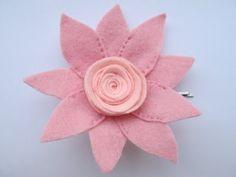 Gancho com Flor rosa em feltro ♥