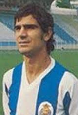Francisco António Lucas Vital, nasceu no dia 27 de Junho de 1954 em Braga. Iniciou a sua aventura no mundo do futebol na temporada de 1968/69 nos juvenis do Caldas S.C., clube onde também jogou na temporada seguinte mas já no escalão de júnior. Passou depois as três épocas seguintes ainda nos juniores, mas do S.L. Benfica. Na temporada de 1973/74, a sua primeira como sénior, jogou pelo F.C. Famalicão. Transferiu-se depois para o G.D. Riopele onde jogou entre 1974/75 a 1976/77. Em 1977/78…