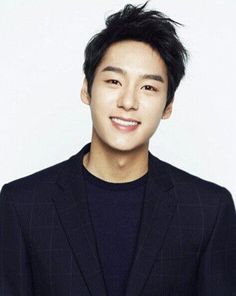 """There's a new couple lined up for the next edition of """"We Got Married."""" Actors Kim So Yeon and Kwak Si Yang are the couple scheduled to replace CNBLUE's Lee Jong Hyun and actress Gong Seung Yeon on the reality program. Running Man, Asian Actors, Korean Actors, Korean Men, Kwak Si Yang, Jun Matsumoto, Oh My Ghostess, Hyun Soo, Hong Ki"""