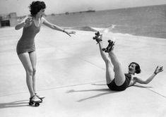 vintage everyday: 30 Interesting Vintage Photos of Roller Skating Girls