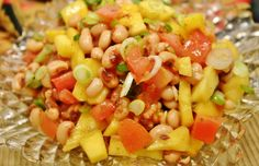 Blackeye Peas & Mango Salsa from 13 Essential Summer Salsa Recipes You Need to Spice Up Your Cookout Dip Recipes, Salad Recipes, Meatless Recipes, Freezing Brussel Sprouts, Blackeye Peas, Summer Salsa, Summer Fun, Mango Salsa Recipes, Bean Salad