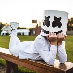 #Marshmello [] at #EDC stole my heart!  So I need to make EDC happen! Maybe next year!! Thank god for live streams! Although now I'm super pumped up and it will be difficult to sleep...