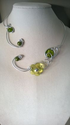 Apple green jewelry green necklace flower by LesBijouxLibellule Wire Necklace, Green Necklace, Flower Necklace, Collar Necklace, Sterling Silver Necklaces, Wire Wrapped Jewelry, Wire Jewelry, Beaded Jewelry, Jewelry Trends