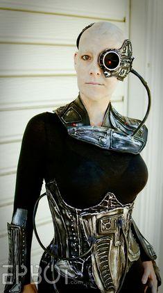 jessica+v.o.fanmade+borg+costume.jpg (837×1500)    AMAZABALLS Borg costume via http://www.epbot.com/2012/08/eight-inspiring-geek-girl-costumes.html#